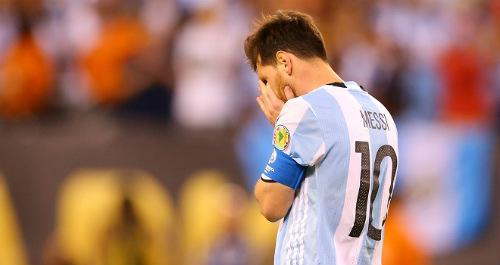 Trăm nghìn fan Argentina diễu hành xin Messi ở lại - 3