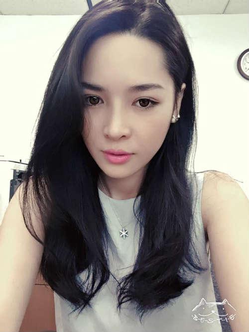 """Hot girl PTTM Thanh Quỳnh: """"Bị ném đá chỉ vì đẹp hơn"""" - 1"""