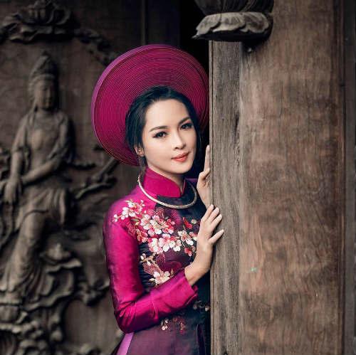 """Hot girl PTTM Thanh Quỳnh: """"Bị ném đá chỉ vì đẹp hơn"""" - 4"""