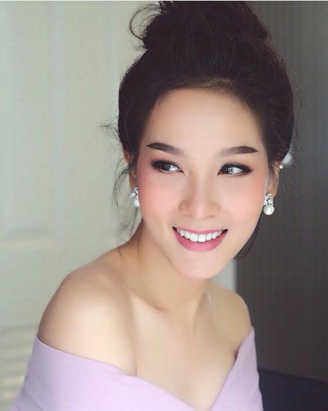 Vẻ đẹp sexy của hoa hậu người Thái từng là đàn ông - 3