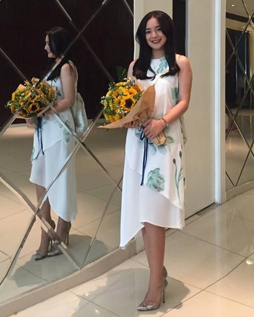 Vợ Duy Nhân sững sờ vì thí sinh Hoa hậu giống hệt mình - 4