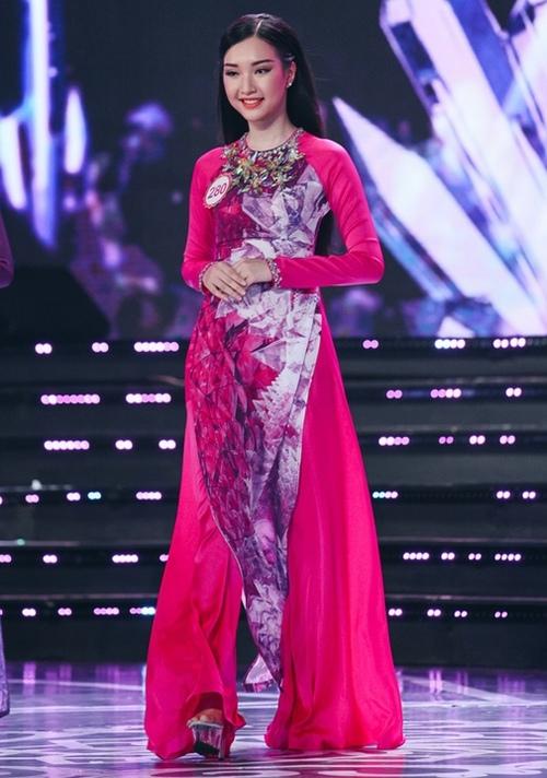 Vợ Duy Nhân sững sờ vì thí sinh Hoa hậu giống hệt mình - 9