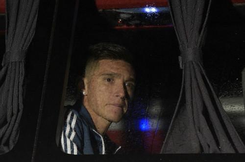 Trăm nghìn fan Argentina diễu hành xin Messi ở lại - 9