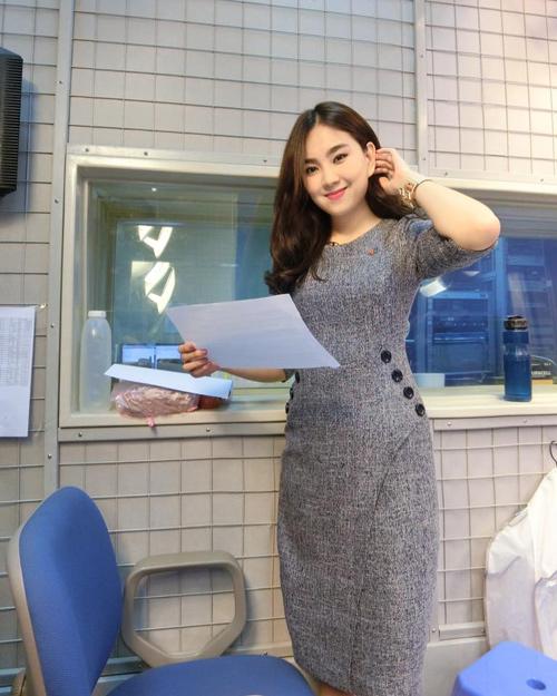 """""""Hoa hậu VTV"""" Mai Ngọc hé lộ về món đồ hiệu đầu tiên - 13"""