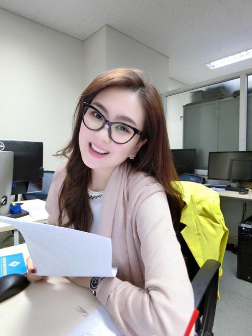 """""""Hoa hậu VTV"""" Mai Ngọc hé lộ về món đồ hiệu đầu tiên - 14"""