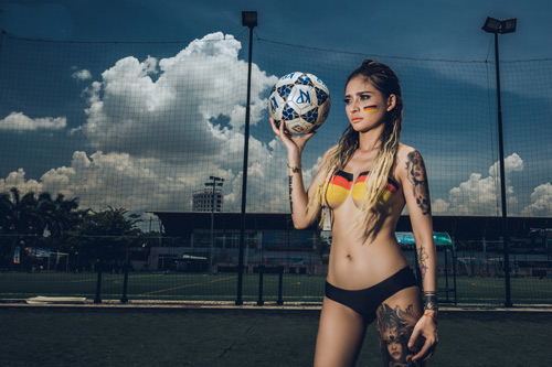 Cô gái Đà Nẵng chụp ảnh nude cổ vũ đội tuyển Đức - 5