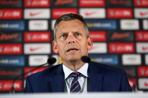 Tam Sư thất bại, lãnh đạo bóng đá Anh tiết lộ gây sốc - 1