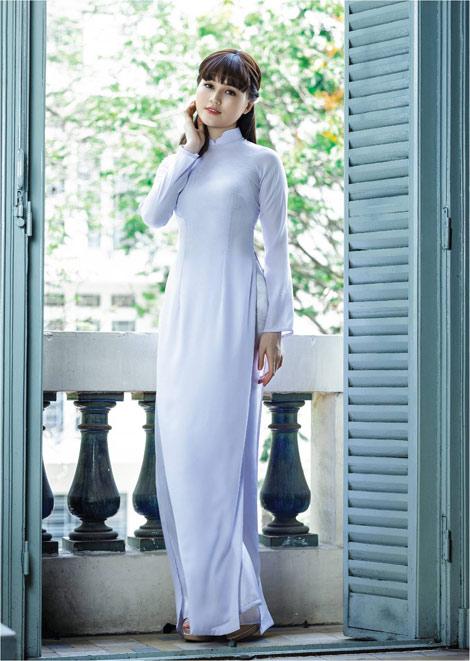 'Dòng thời gian' trong BST áo dài nữ sinh của Thái Tuấn - 3