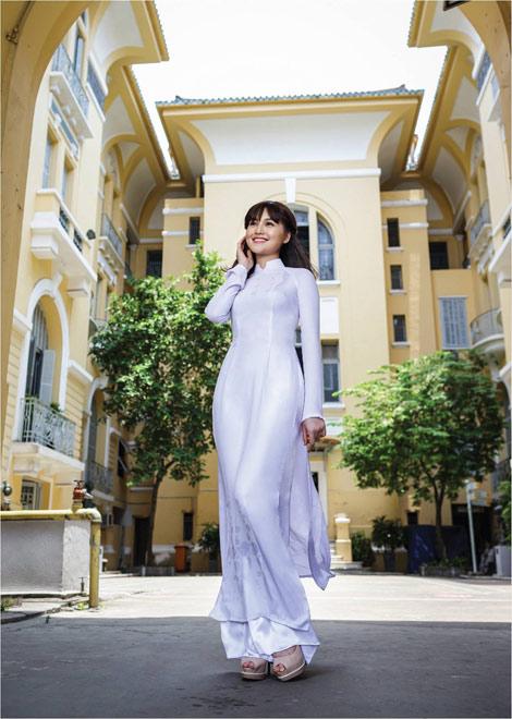 'Dòng thời gian' trong BST áo dài nữ sinh của Thái Tuấn - 6