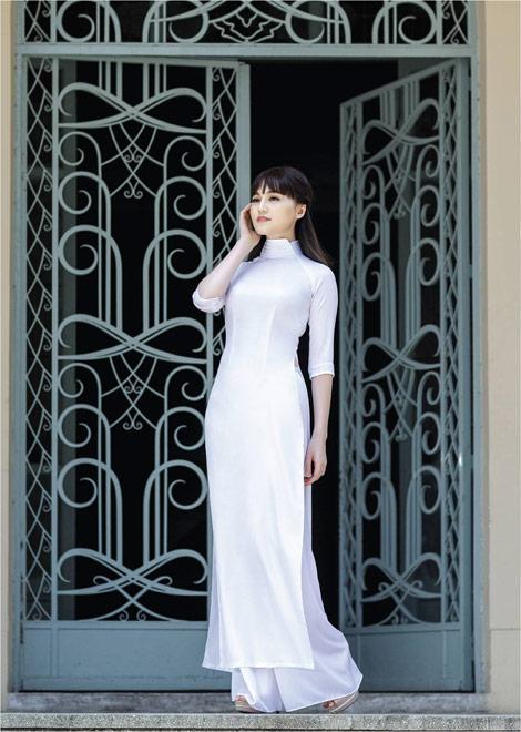 'Dòng thời gian' trong BST áo dài nữ sinh của Thái Tuấn - 8