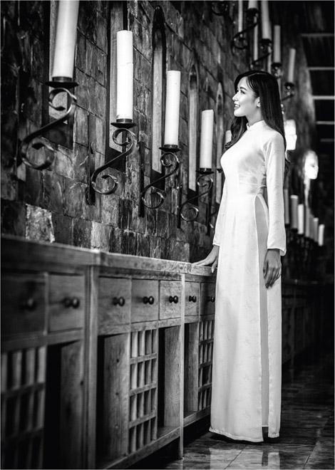 'Dòng thời gian' trong BST áo dài nữ sinh của Thái Tuấn - 9