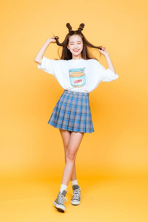 Diện áo phông đúng chuẩn phong cách cô nàng thể thao - 4