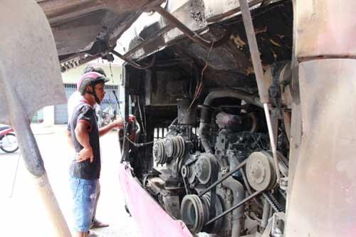 Xe giường nằm cháy nghi ngút, 30 khách suýt chết - 3