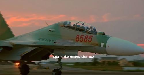 Xúc động MV tưởng nhớ 10 chiến sĩ không quân gặp nạn - 1