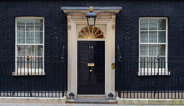"""Khám phá dinh thự nơi Thủ tướng Anh Cameron """"thất thủ"""" - 1"""