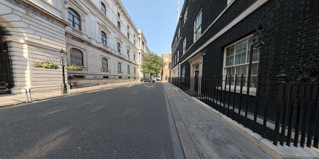 """Khám phá dinh thự nơi Thủ tướng Anh Cameron """"thất thủ"""" - 3"""
