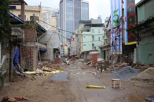 Ì ạch dự án thoát nước, dân Thủ đô sống chung kênh thối - 6