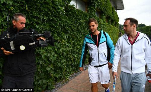 Wimbledon ngày 3: Berdych khổ chiến, Radwanska thắng dễ - 8