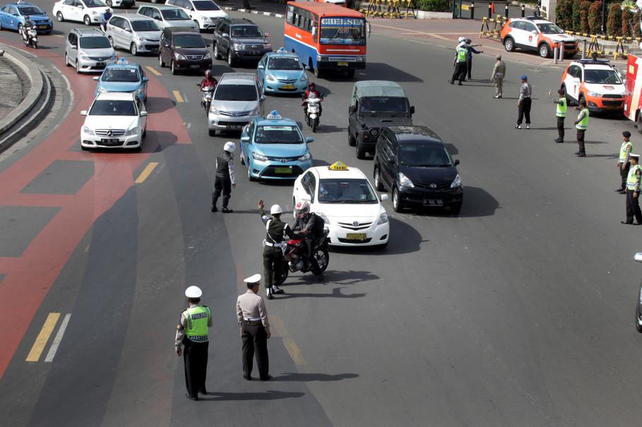 Hà Nội cấm xe máy: Kinh nghiệm từ thủ đô Indonesia - 4