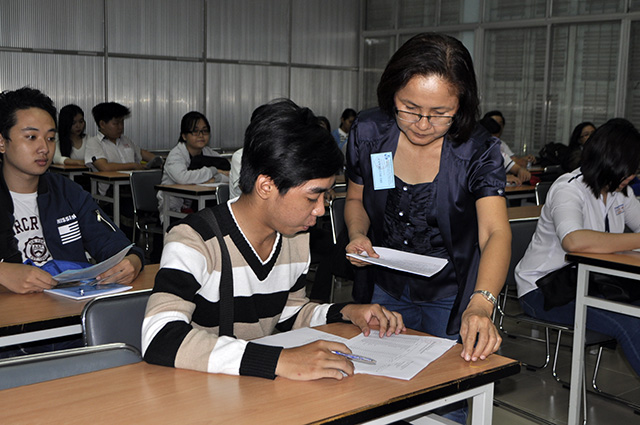Gần 888.000 thí sinh làm thủ tục dự thi THPT Quốc gia - 1