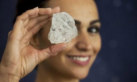 """Phiên đấu giá kim cương """"khủng"""" 3 tỷ năm tuổi thất bại - 1"""