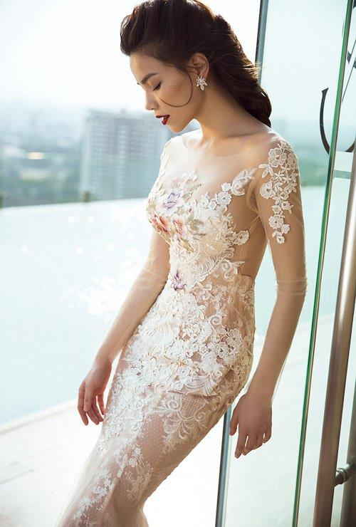 Hà Hồ khoe đường cong nóng bỏng với váy xuyên thấu - 2