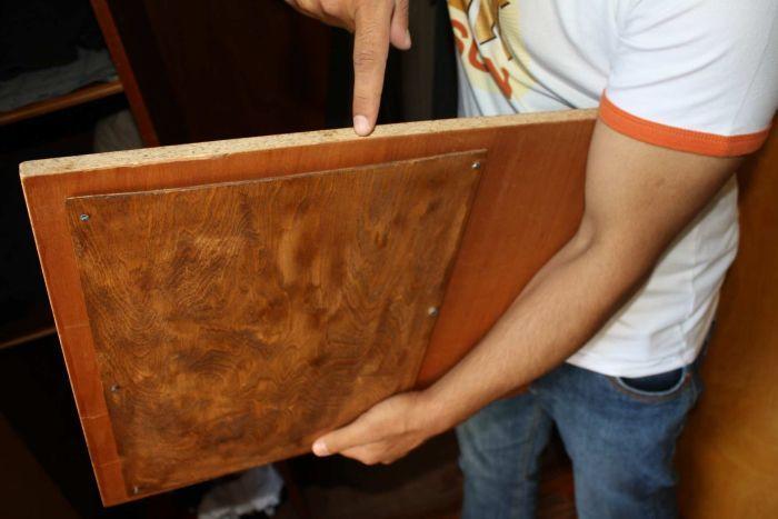 Đức: Mua tủ cũ, phát hiện hơn tỉ đồng trong khe bí mật - 2