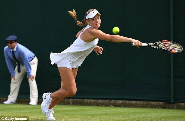 Tay vợt nữ lại gặp rắc rối với váy ngắn ở Wimbledon - 1