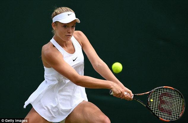 Tay vợt nữ lại gặp rắc rối với váy ngắn ở Wimbledon - 2