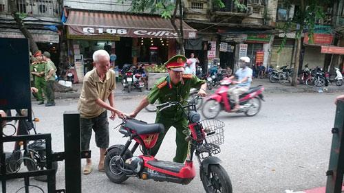 Từ 1/7, CSGT Hà Nội xử lý xe máy điện không đăng ký - 3