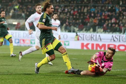 Pescara - AC Milan: Bỏ lỡ thời cơ vàng - 1