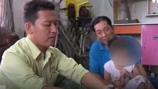 Điều tra vụ bé trai nghi bị bảo mẫu buộc thun vào dương vật