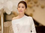 Thời trang - Đẹp là 1 chuyện, Phạm Hương còn khoe giọng ca hay khó tin