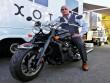Soi môtô mạnh nhất hành tinh của tài tử Dwayne Johnson