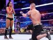 """Mỹ nhân sàn võ """"ngã vào vòng tình ái"""" của John Cena"""