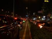 Tin tức trong ngày - TPHCM: Kẹt xe kinh hoàng suốt 5 giờ ở đường Phạm Văn Đồng