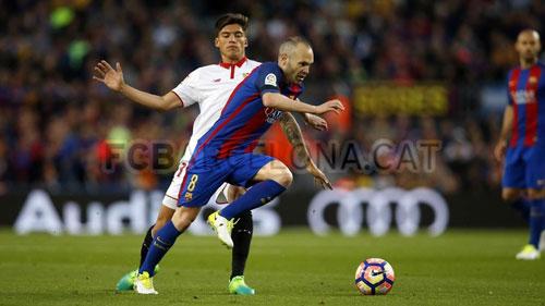 Iniesta cán mốc 700 trận, Barca lập kỉ lục thời Enrique - 2