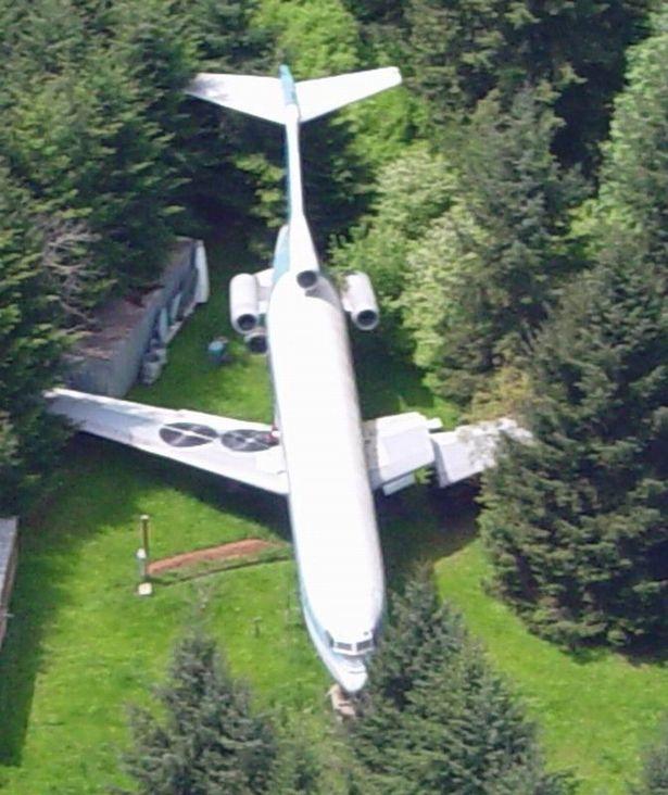 Người đàn ông sống trong máy bay khổng lồ giữa rừng Mỹ - 3