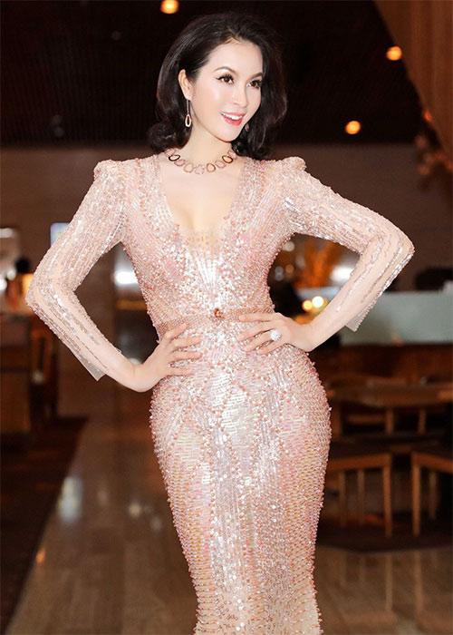 Bí quyết đẹp hớp hồn người nhìn của diễn viên-MC Thanh Mai.