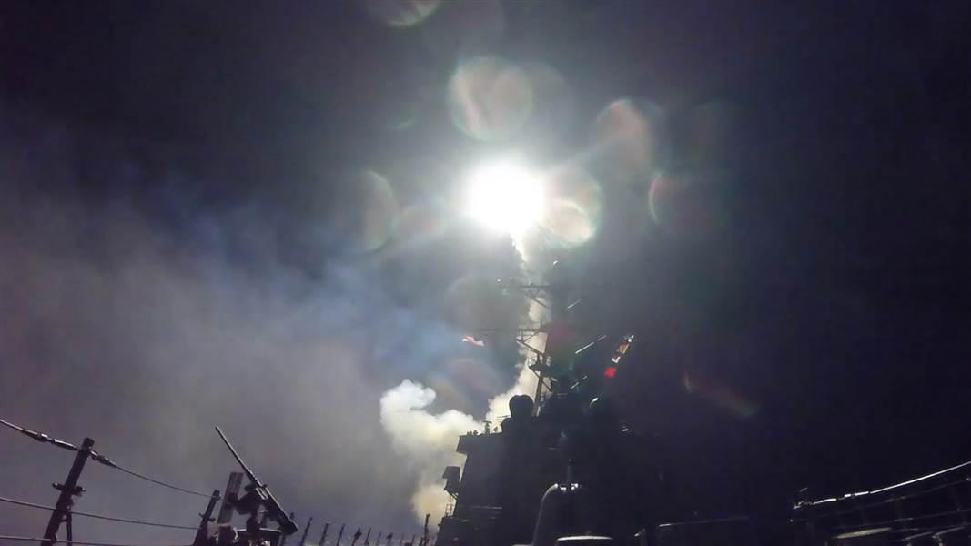 Căn cứ Syria tan hoang sau khi bị tên lửa Mỹ oanh tạc - 1