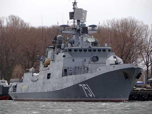 Nga điều tàu chiến áp sát tàu Mỹ phóng tên lửa vào Syria - 1