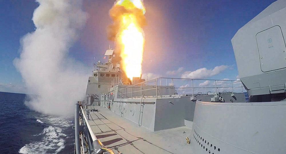 Nga điều tàu chiến áp sát tàu Mỹ phóng tên lửa vào Syria - 2