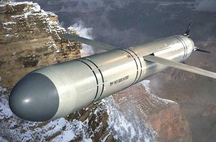 Nga điều tàu chiến áp sát tàu Mỹ phóng tên lửa vào Syria - 4