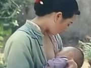 Phim - Cảnh mỹ nhân cho con bú khiến người xem không thể chớp mắt