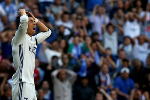 """Ronaldo tịt ngòi: Real & âm mưu lật đổ """"chín muồi"""" - 2"""