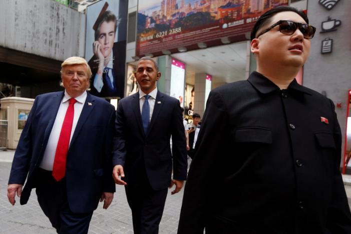 """""""Trump, Obama và Kim Jong-un"""" gây náo loạn Hồng Kông - 1"""