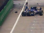 Thể thao - Video F1 Chinese GP: 2 ngày, 2 lần nát xe