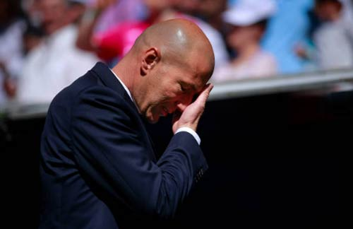 Real: Ronaldo tịt ngòi gần 16.000 giây, Zidane sợ lờ đi - 1