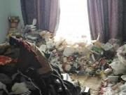 Bạn trẻ - Cuộc sống - Kinh dị phòng ở bẩn như bãi rác của giảng viên đại học ở TQ