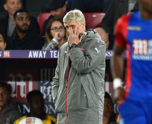 """Arsenal 90% hụt top 4: Wenger là """"kẻ mê sảng"""" - 2"""